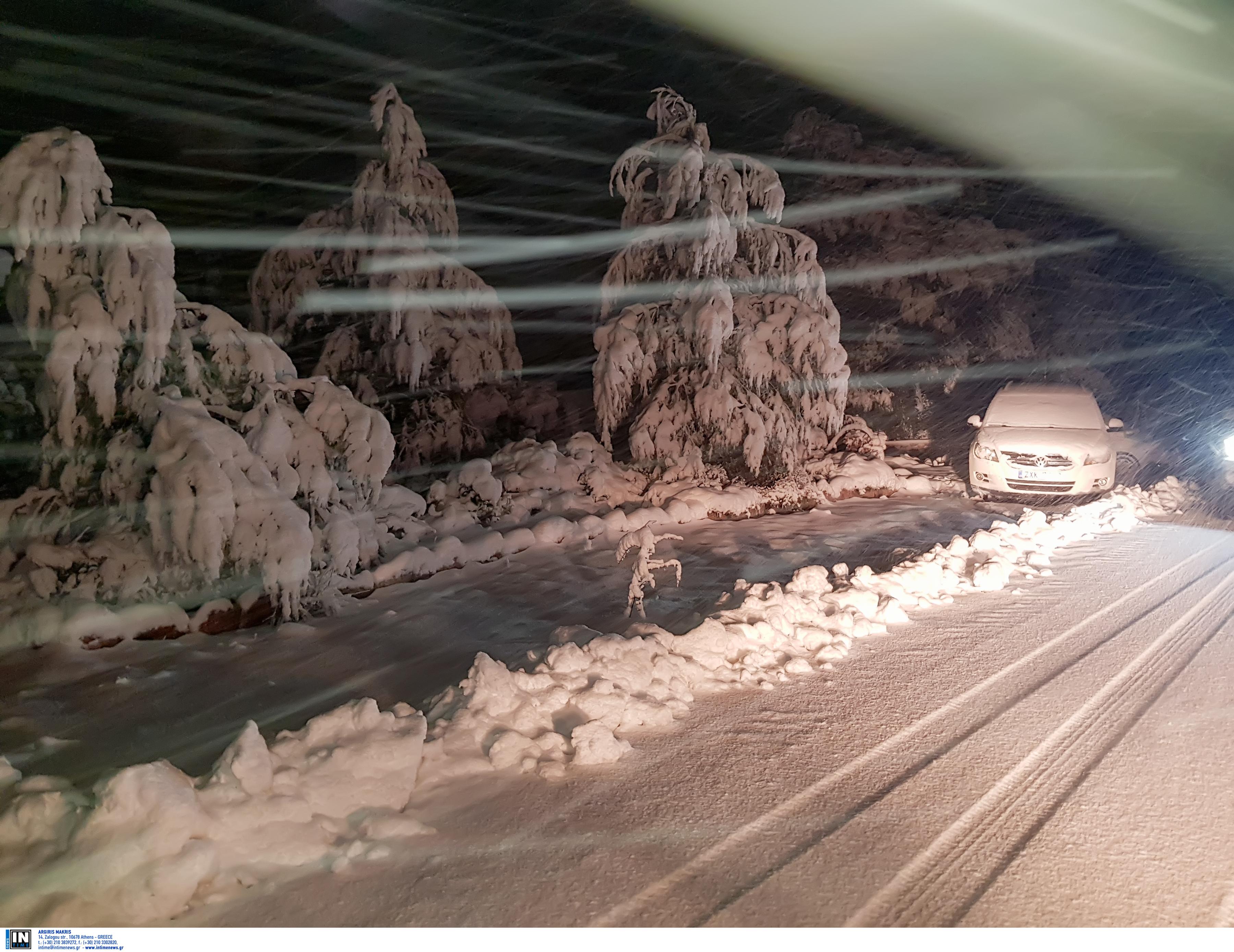 Χτυπά ανελέητα η Ζηνοβία! Χιόνια και θυελλώδεις άνεμοι σε Αττική και Βοιωτία