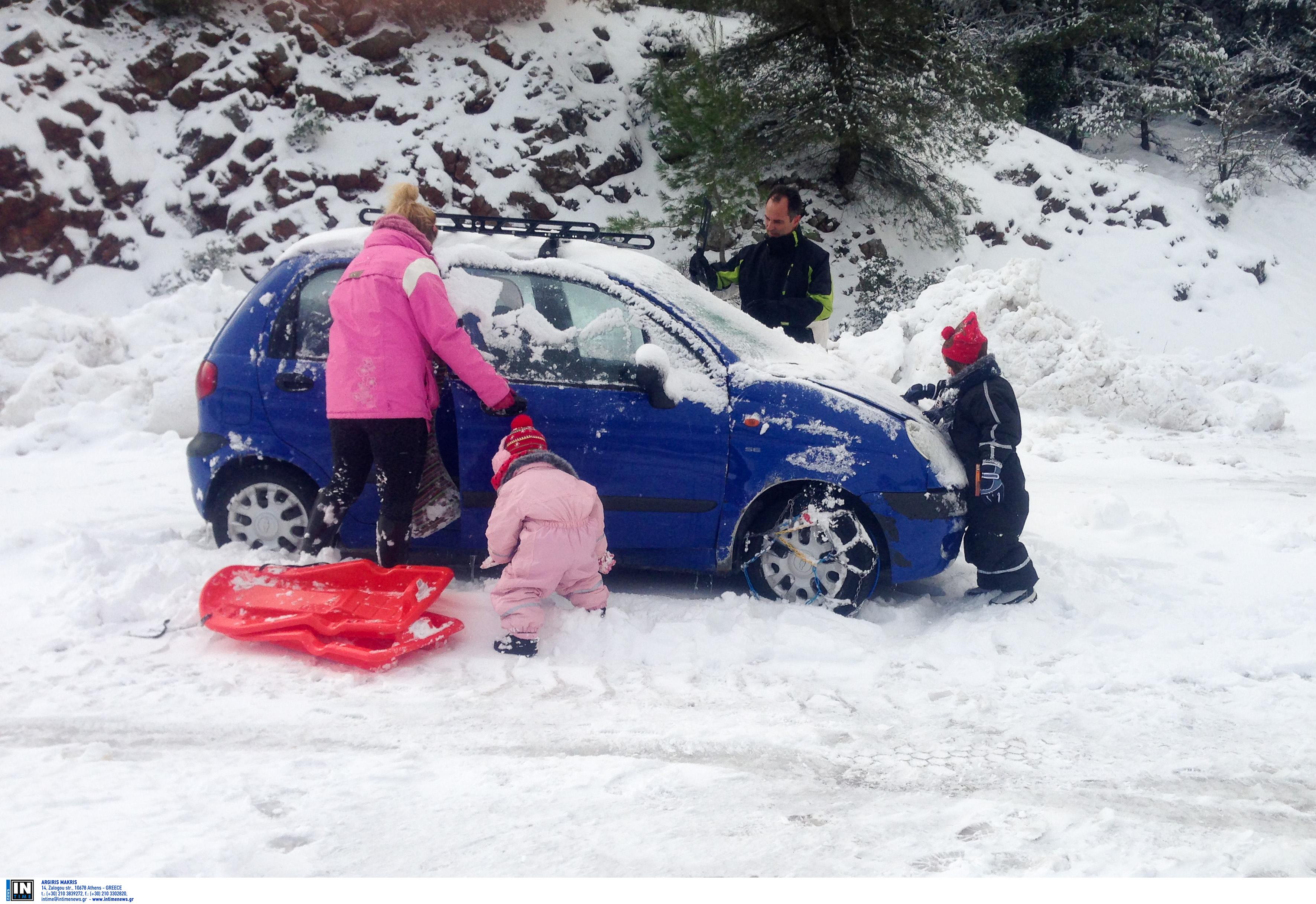 Καιρός: Ποιοι δρόμοι είναι κλειστοί λόγω χιονιού