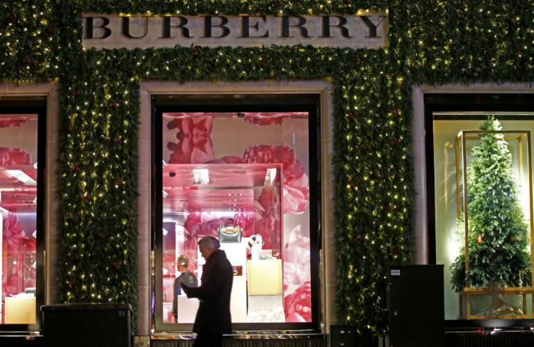 Παραμένει στον οίκο Burberry ο Ρικάρντο Τίσι