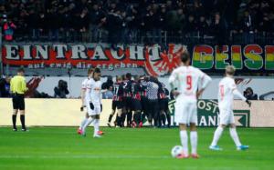 "Bundesliga: ""Μπλόκο"" της Άιντραχτ στη Λειψία! Πλησίασε η Γκλάντμπαχ – Ευκαιρία για Μπάγερν (videos)"