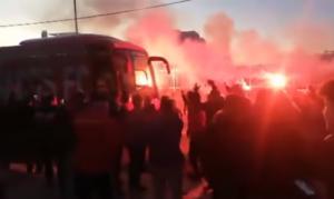 """Ολυμπιακός: Αποθεωτική υποδοχή για τους """"ερυθρόλευκους"""" στην Καλαμάτα! video"""