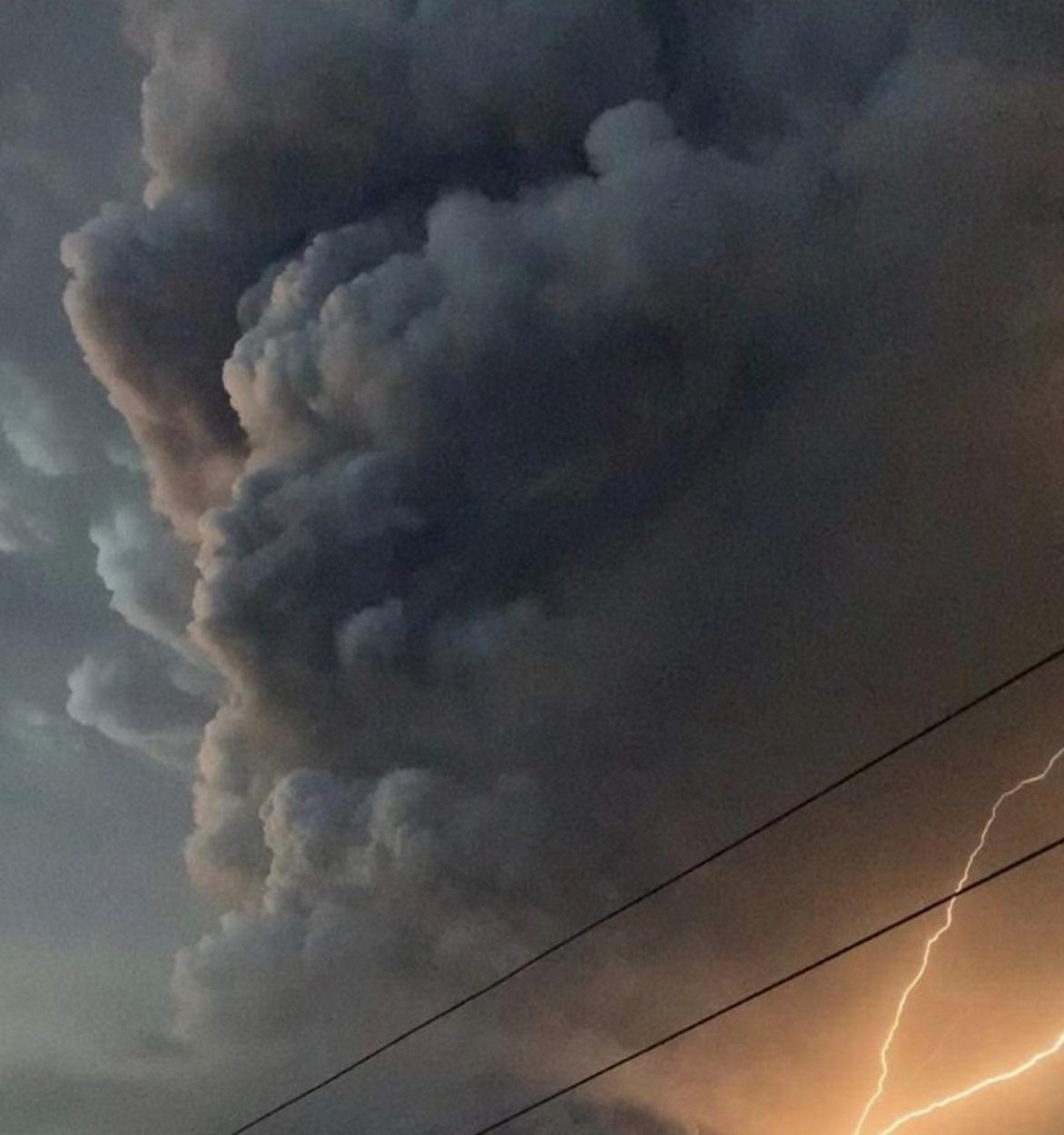 """Κατάσταση συναγερμού μετά το ξύπνημα του ηφαιστείου Τάαλ - """"Ανά πάσα στιγμή μπορεί να εκραγεί και ύστερα τσουνάμι"""""""