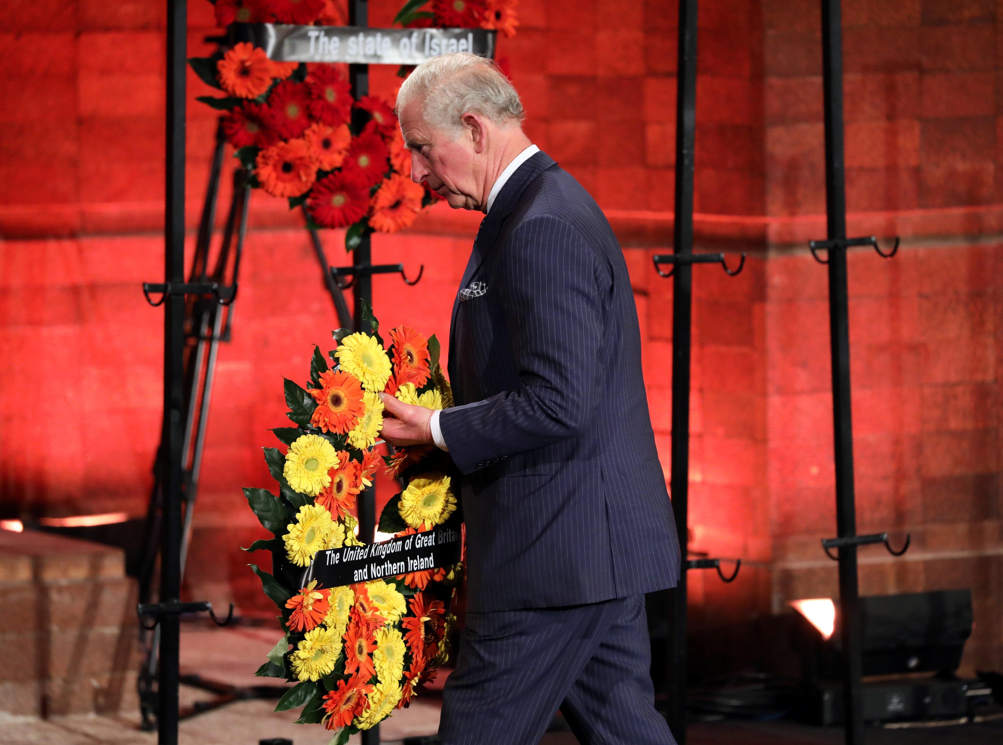 Ο πρίγκιπας Κάρολος τιμά τον ηρωισμό της γιαγιάς του για τη διάσωση Εβραίων στην κατοχική Αθήνα!