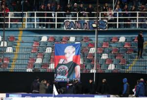 Οι οπαδοί της Κρίσταλ Πάλας δεν ξέχασαν τη Ρενάτα! (pic)
