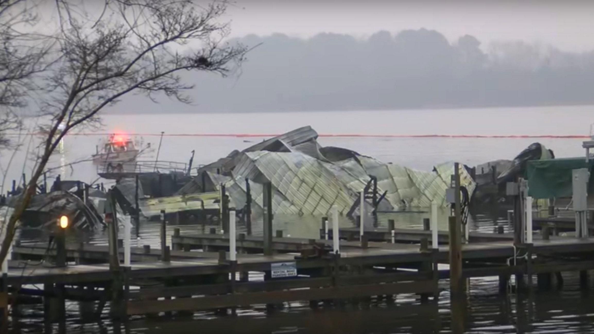 Τραγωδία στον ποταμό Τενεσί! Οκτώ νεκροί από φωτιά σε αγκυροβολημένα σκάφη