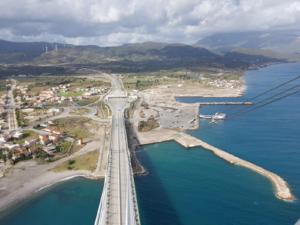 Εμπορικό κέντρο ή ναυπηγείο; Διαγωνισμός για το οικόπεδο «φιλέτο» στην Γέφυρα Ρίου Αντιρρίου