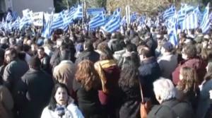 Βόρειο Αιγαίο: Κραυγή απελπισίας χιλιάδων στην απεργία για το προσφυγικό! Κλειστά μέχρι και τα περίπτερα [video]