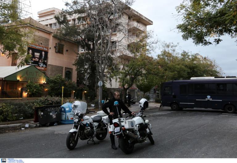 Επίθεση σε αστυνομικούς έξω από την ΑΣΟΕΕ