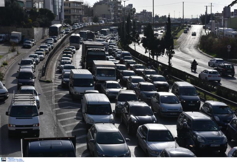 «Βόμβα» στους ελληνικούς δρόμους – Στα 555.402 υπολογίζονται τα ανασφάλιστα αυτοκίνητα