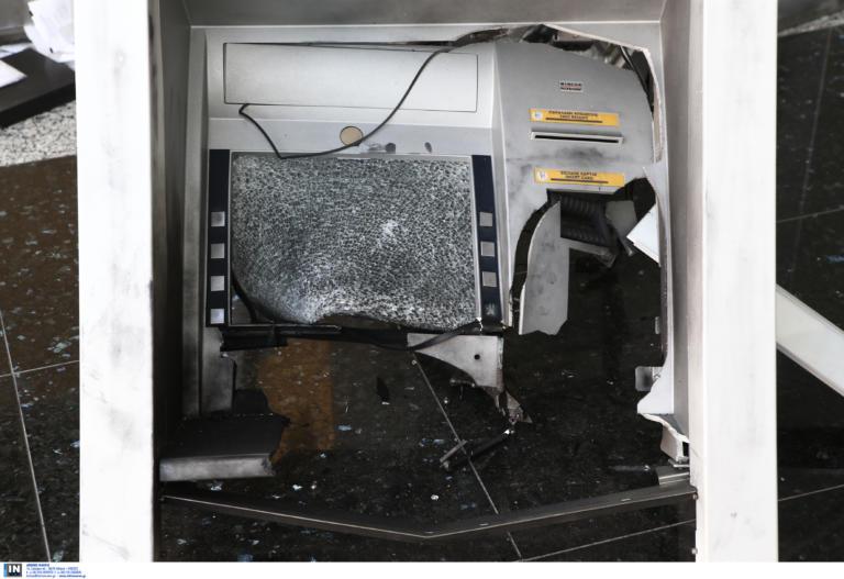 Μπαράζ επιθέσεων σε ATM σε όλη την Αθήνα
