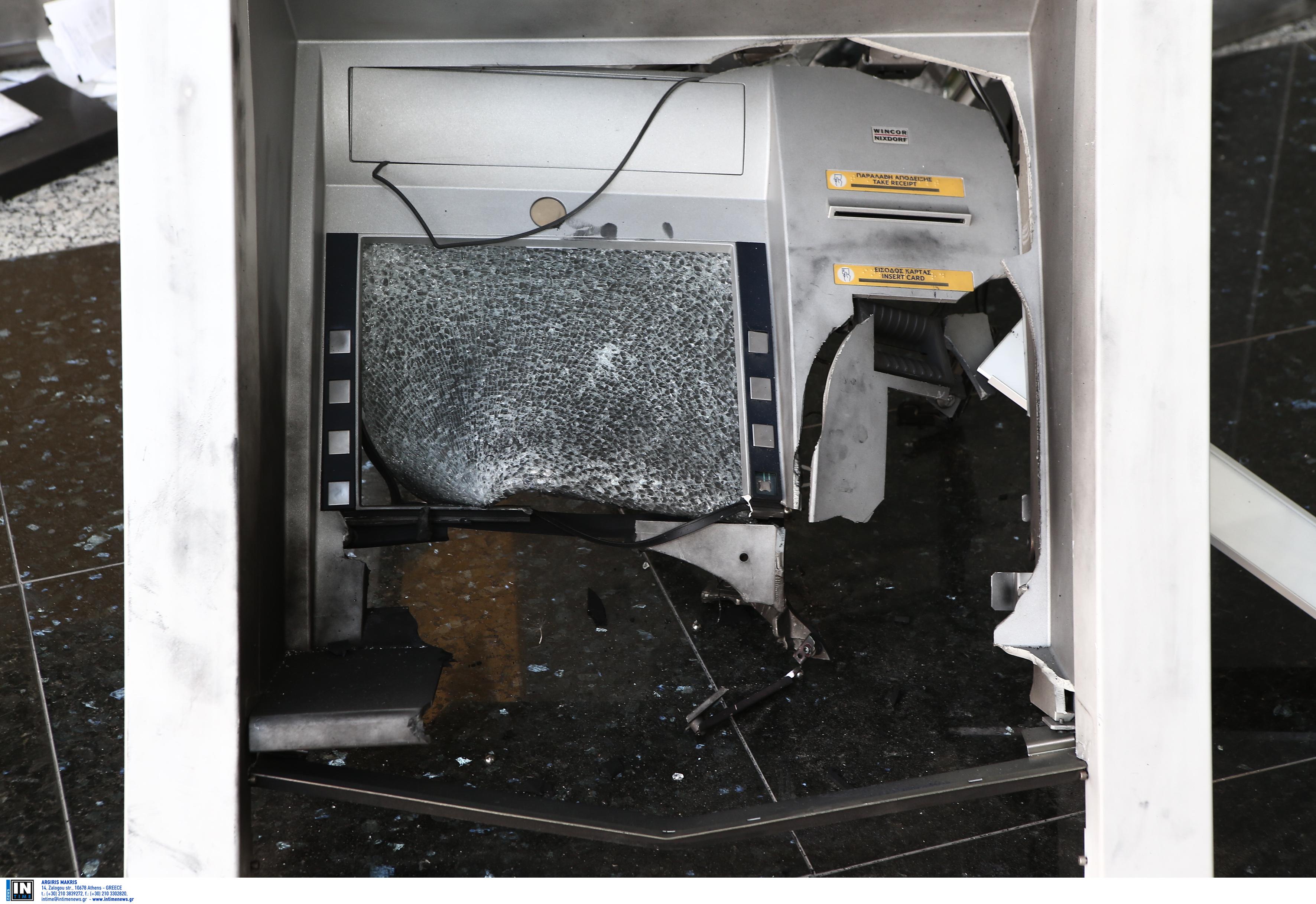 Εύβοια: Έκρηξη σε ATM στο Μαρμάρι [pic]