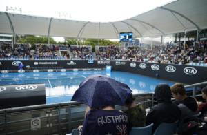 Australian Open: Αναβλήθηκε ο αγώνας της Σάκκαρη! Απέκλεισε τη Βένους η 15χρονη Γκάουφ (video)