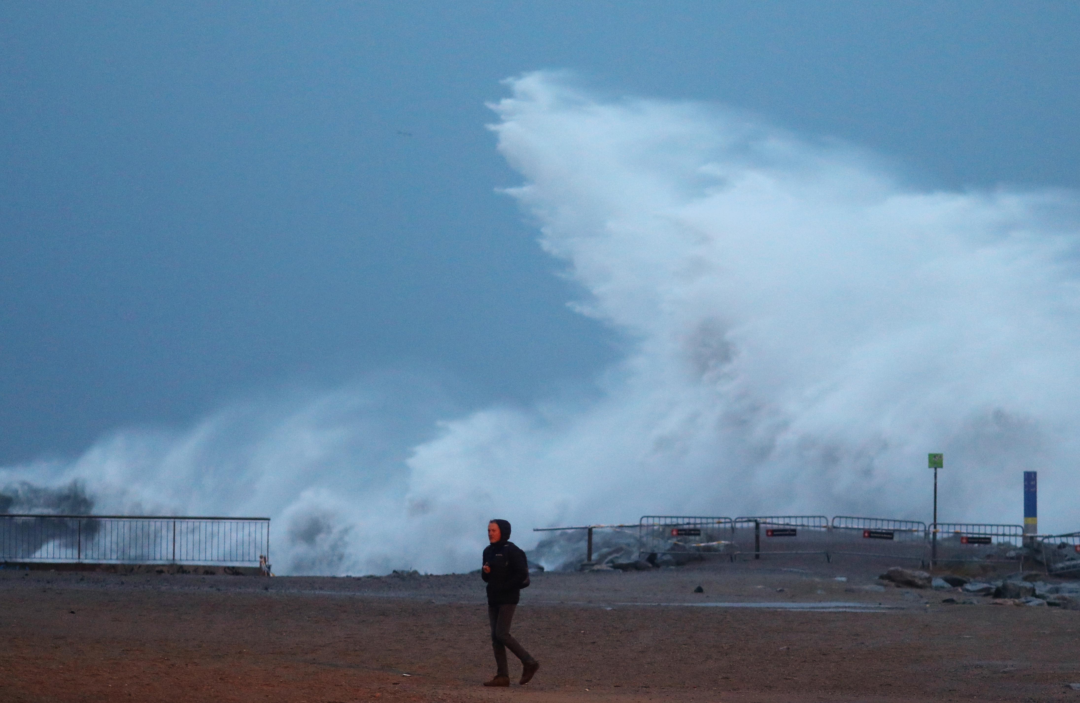 Κατέρρευσαν γέφυρες, «χάθηκαν» παραλίες! Απίστευτες καταστροφές και 13 νεκροί και 4 αγνοούμενοι στην Ισπανία από τη Γκλόρια