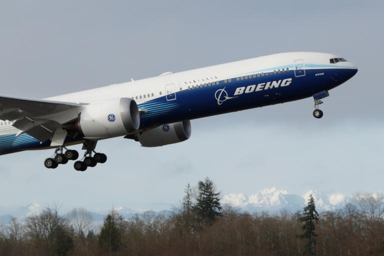 Boeing 777: Η κόπωση μετάλλου των κινητήρων μπαίνει στο μικροσκόπιο των ερευνών