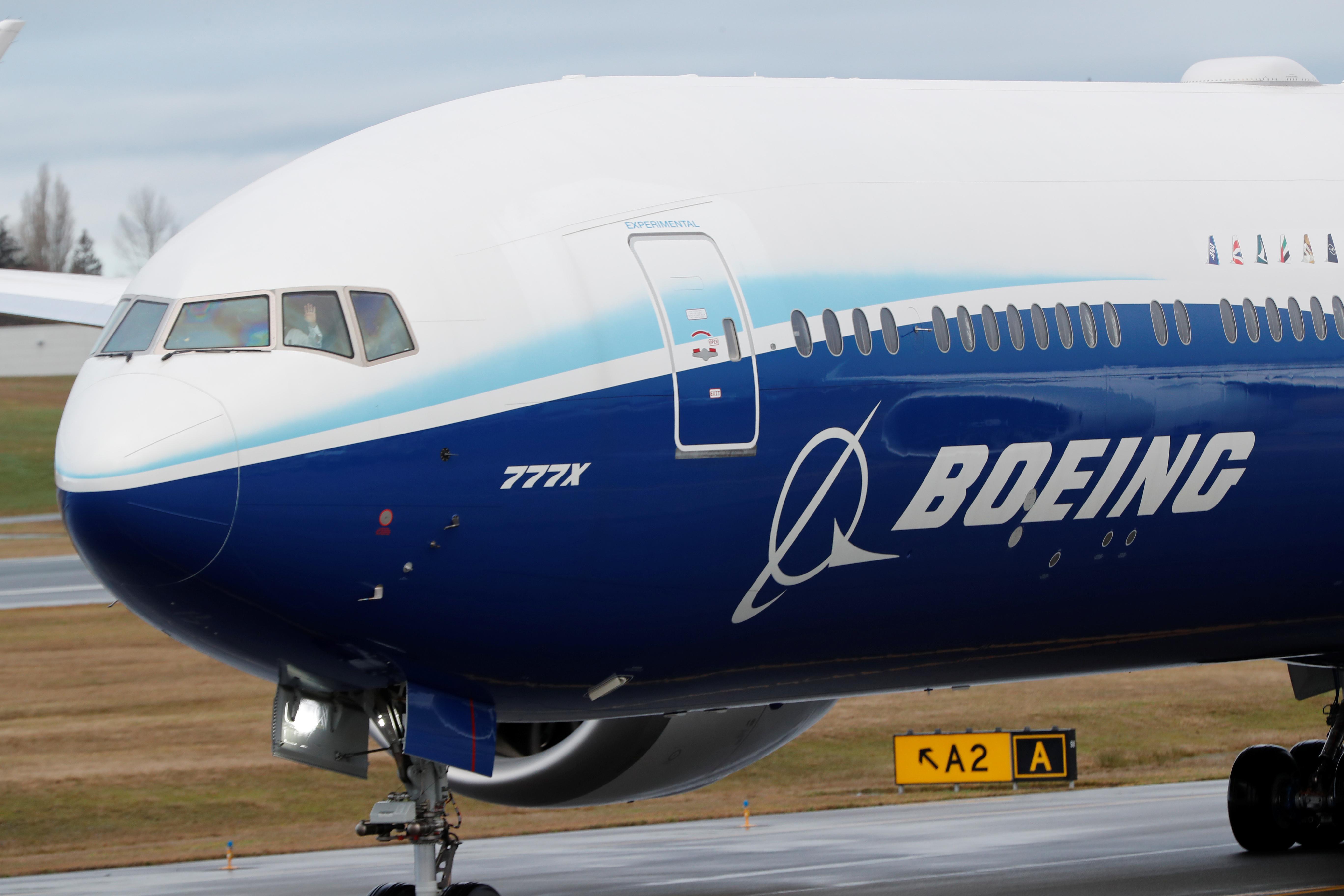 """Boeing: Ανακοίνωσε 12.000 απολύσεις και ξαναρχίζει την παραγωγή των """"φονικών"""" 737 MAX"""