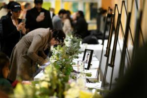 Καναδάς: Χιλιάδες άνθρωποι τίμησαν τα θύματα της συντριβής του αεροπλάνου στο Ιράν