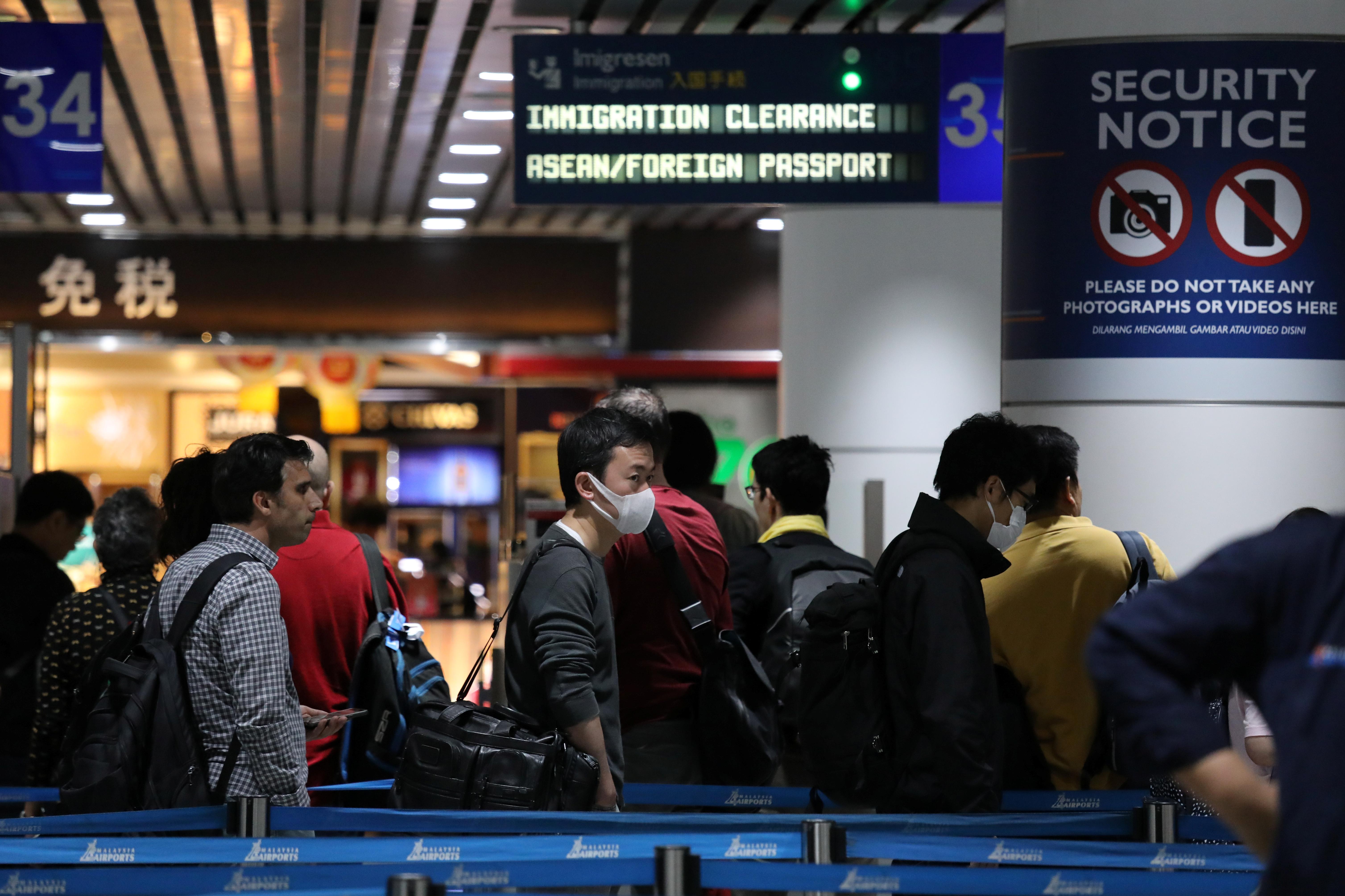 Εξαπλώνεται ο κοροναϊός! Κρούσματα σε Χονγκ Κονγκ και Μακάο!