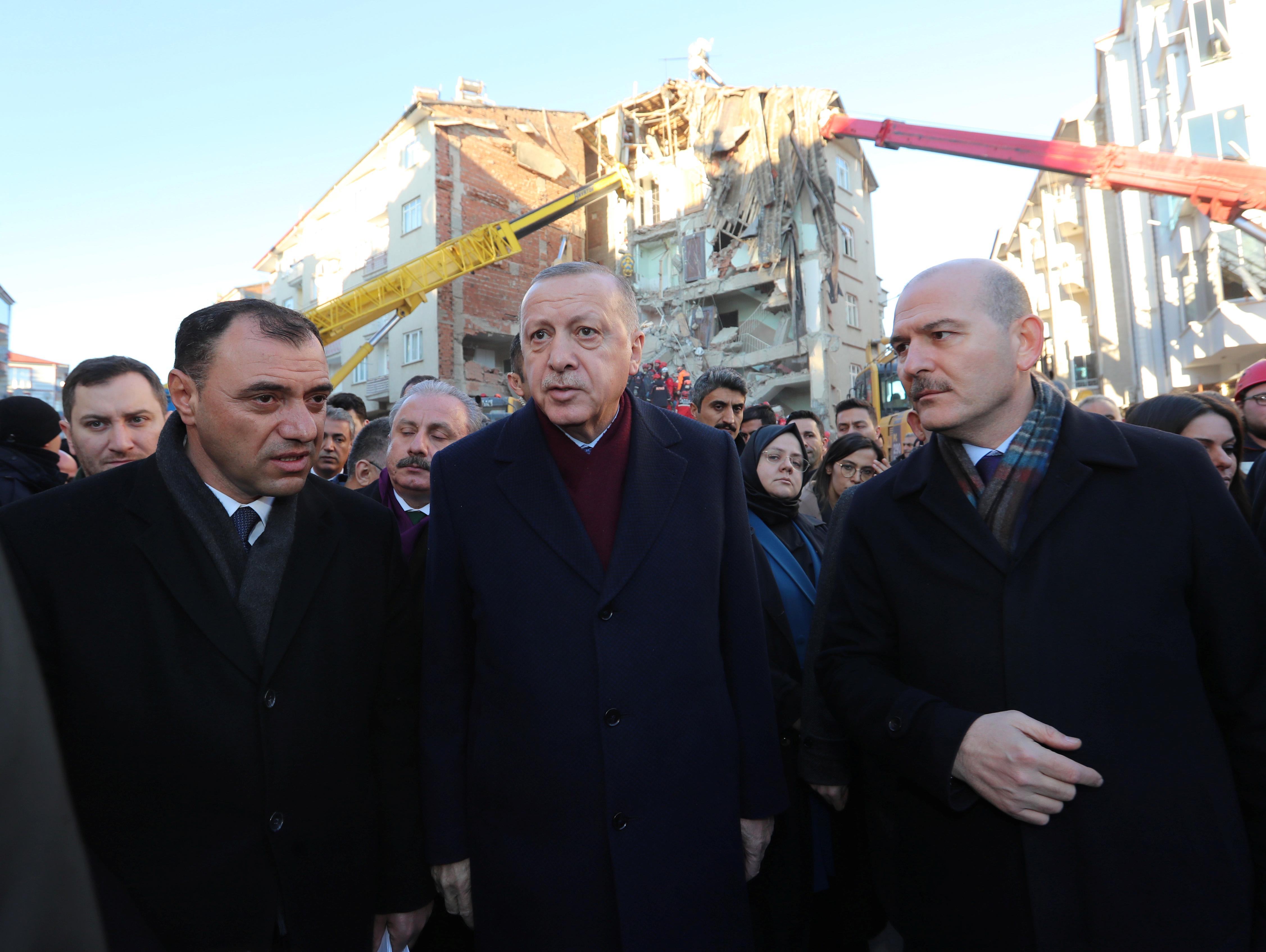 Τουρκία: Η στιγμή που ο Ερντογάν έζησε μετασεισμό 5,1 Ρίχτερ [video]