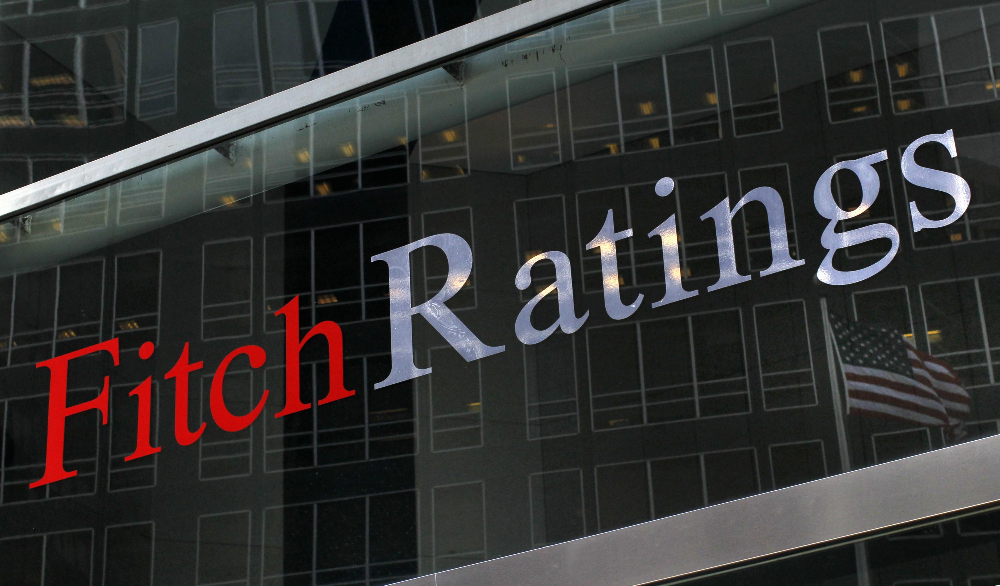 Ξεκινούν οι διαπραγματεύσεις με τους δανειστές! Η Fitch κρίνει ενδεχόμενη έξοδο στις αγορές