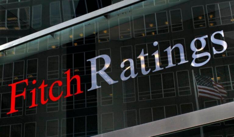 Ο Fitch επιβεβαίωσε το αξιόχρεο της Ελλάδας – Η πρόβλεψη για την ανάπτυξη, τις τράπεζες και τα «αγκάθια»
