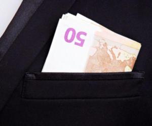 Ε.Ε: Στα… 170 δισ. ευρώ τα χαμένα έσοδα κάθε χρόνο από την φοροδιαφυγή