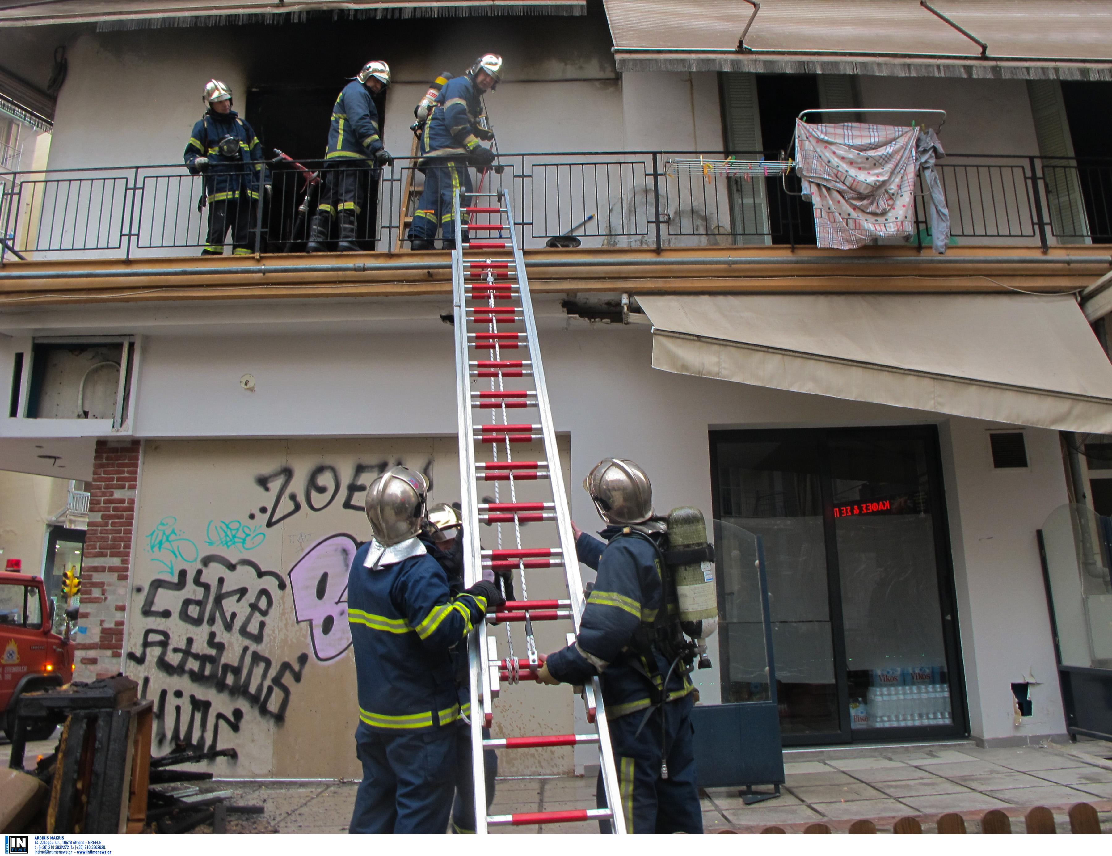 Θεσσαλονίκη: Έβαλε φωτιά στην πολυκατοικία για ένα χρέος των 50 ευρώ