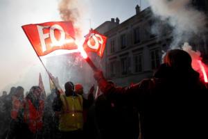 Γαλλία: Άγριες συγκρούσεις στο Ανάκτορο των Βερσαλλιών! video