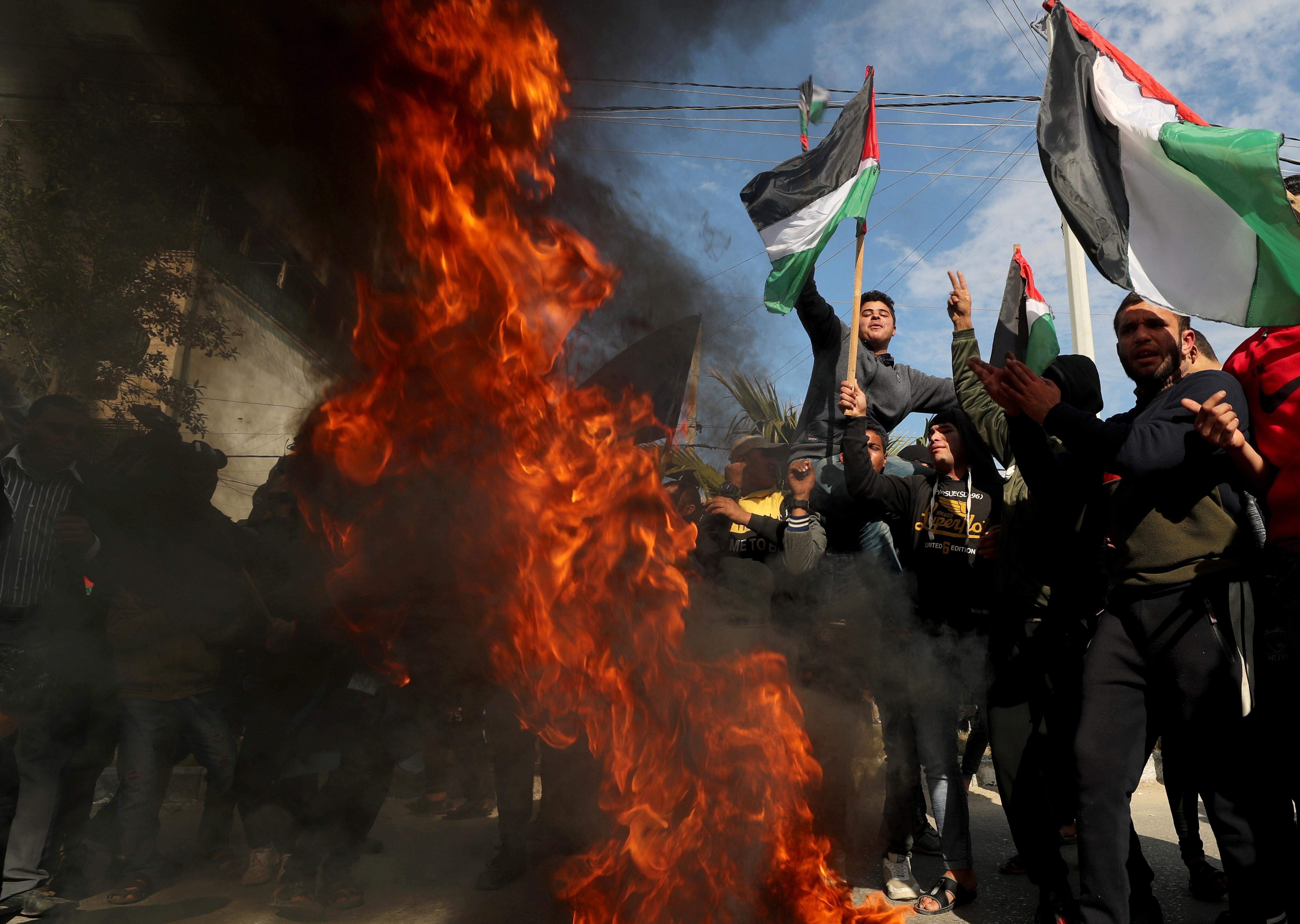 Παλαιστίνη: Χιλιάδες διαδηλωτές στη Γάζα κατά του σχεδίου Τραμπ για τη Μέση Ανατολή
