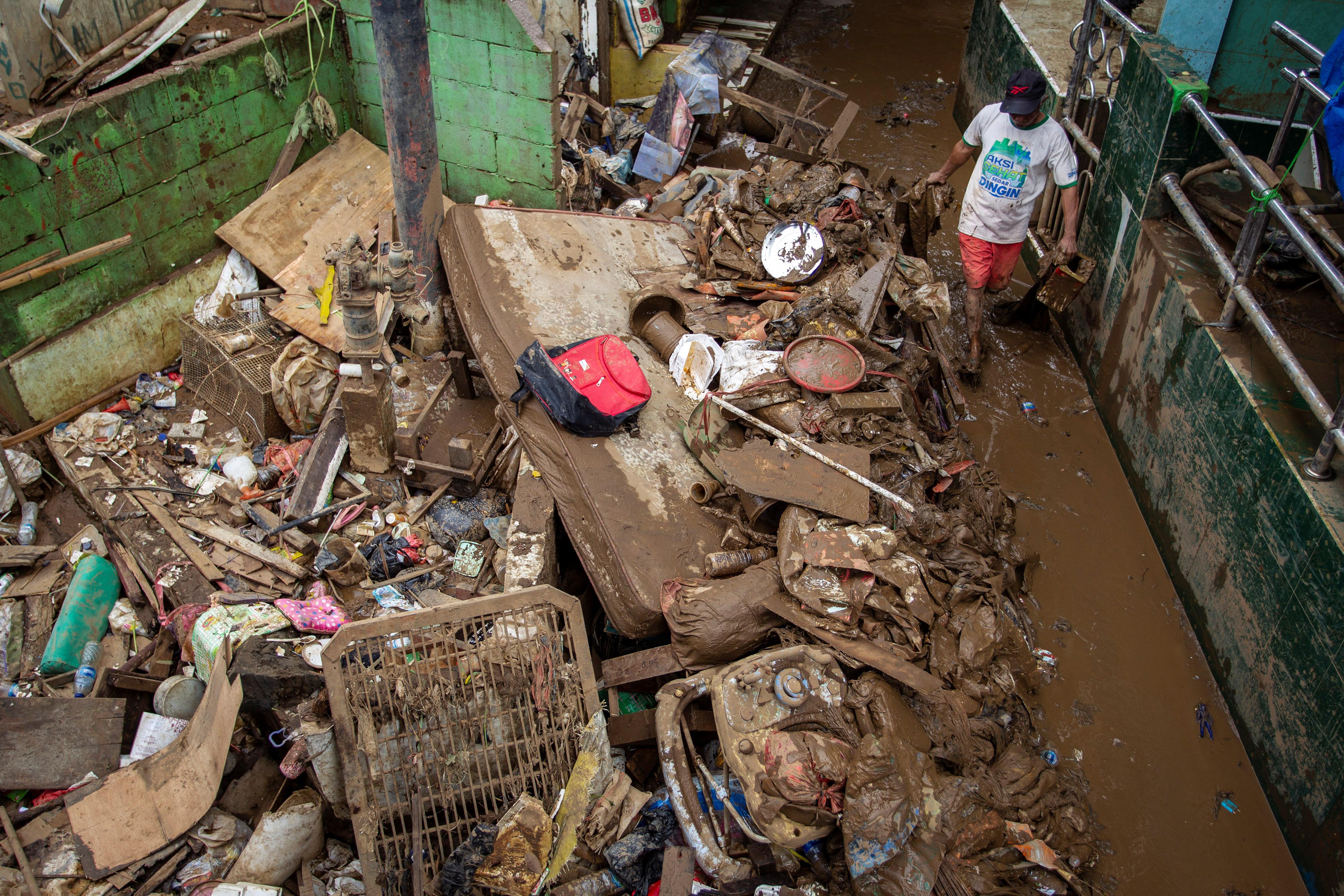 Τζακάρτα: Τουλάχιστον 53 νεκροί, εξαιτίας των πλημμυρών