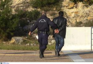 """Θάσος: Προφυλακιστέος ο 50χρονος που βίαζε ανήλικη με τις """"ευλογίες"""" της μητέρας της"""