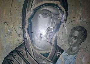 Θάσος: Χειροπέδες στο νεαρό που πυροβόλησε εικόνες του Χριστού και της Παναγίας σε δύο παρεκκλήσια!