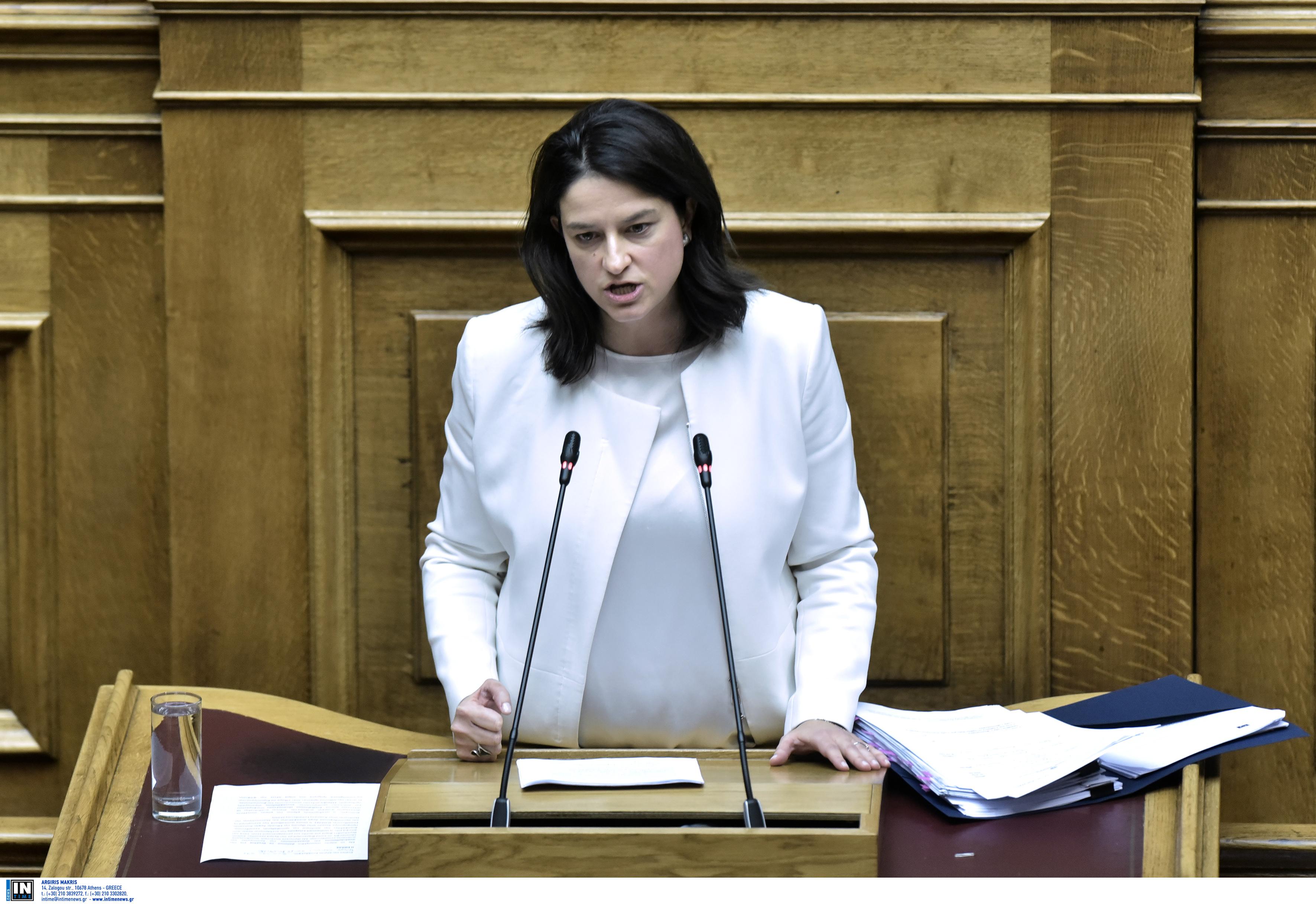 Κεραμέως στη Βουλή: Ολιστική η μεταρρύθμιση και όχι μόνον εκπαιδευτική