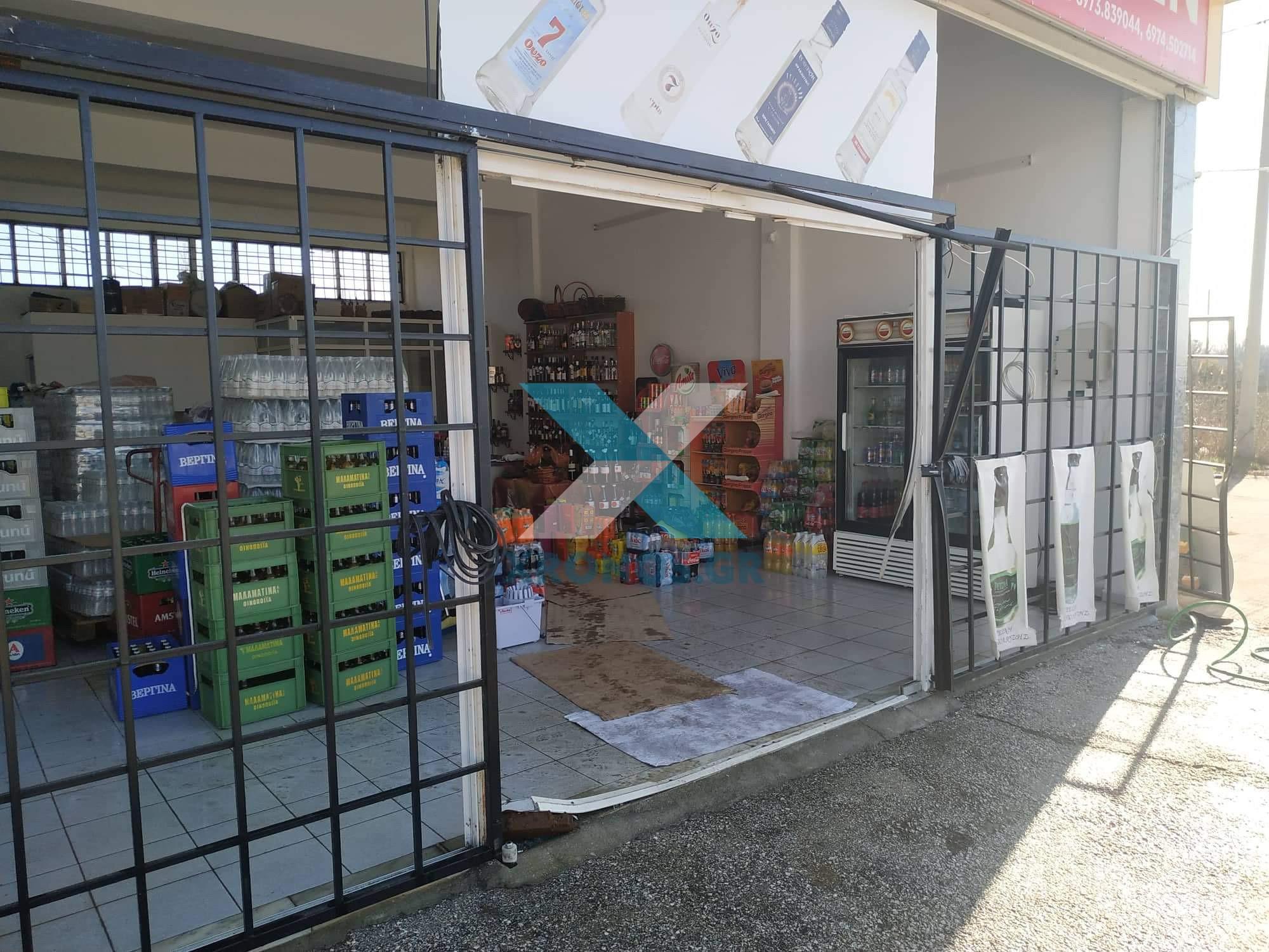 Κομοτηνή: Μπούκαραν και διέλυσαν καταστήματα με αυτοκίνητο! Ανάστατοι οι ιδιοκτήτες τους [pics]