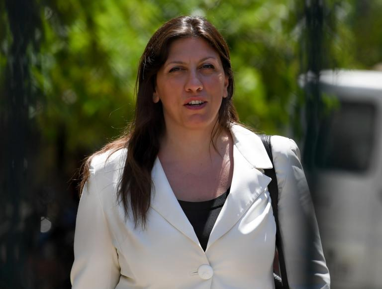 Σοφία Μπεκατώρου: Παύει από δικηγόρο της την Ζωή Κωνσταντοπούλου