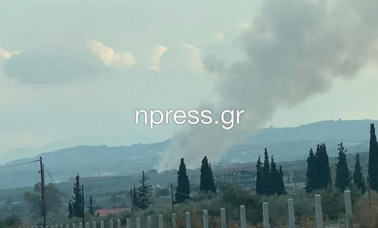 Κόρινθος: Καίγεται ακόμη το εργοστάσιο ανακύκλωσης