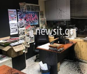 """""""Επίσκεψη"""" κουκουλοφόρων στα γραφεία εφημερίδων!"""