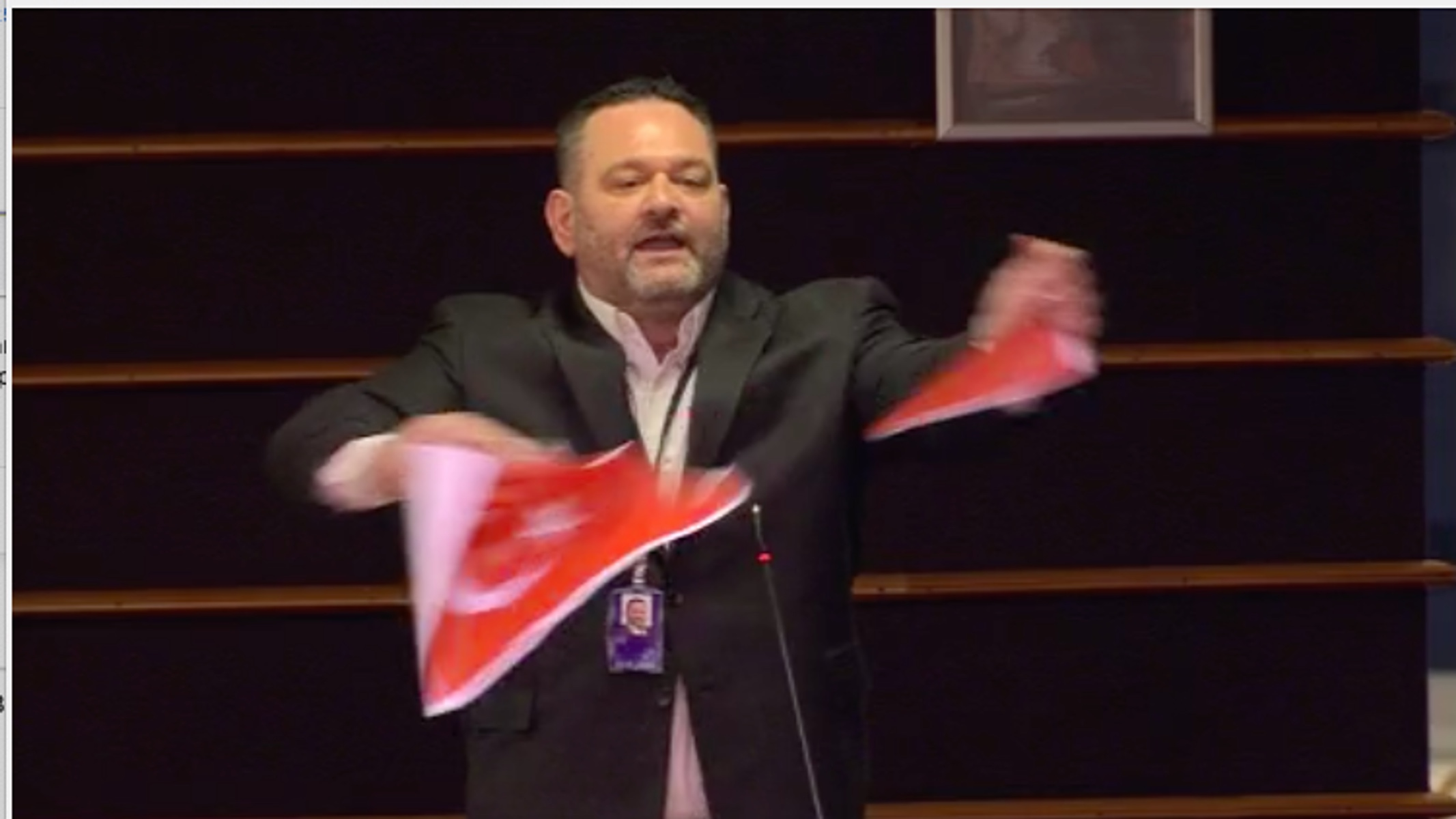 Τσαβούσογλου για Λαγό: «Πετάμε στην θάλασσα όσους επιτίθενται στην σημαία μας»