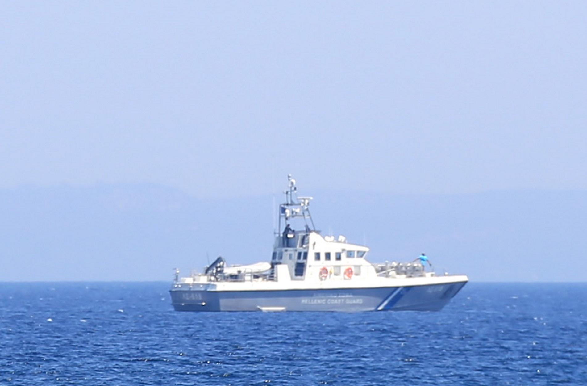 Μυτιλήνη: Εντοπίστηκαν και διασώθηκαν αγνοούμενοι του ναυαγίου – Δάκρυα για τον νεκρό που πέθανε από το κρύο