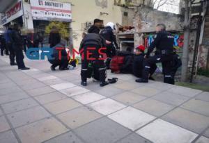 Θεσσαλονίκη: Μπούκαραν με όπλα και λήστεψαν καταστηματάρχη
