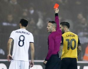 ΑΕΚ: Χάνει για τρία παιχνίδια τον Λιβάγια! Τιμωρημένος και ο Χουλτ