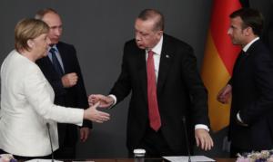 Διάσκεψη του Βερολίνου: Πυρετός επαφών ως την τελευταία στιγμή από την Αθήνα