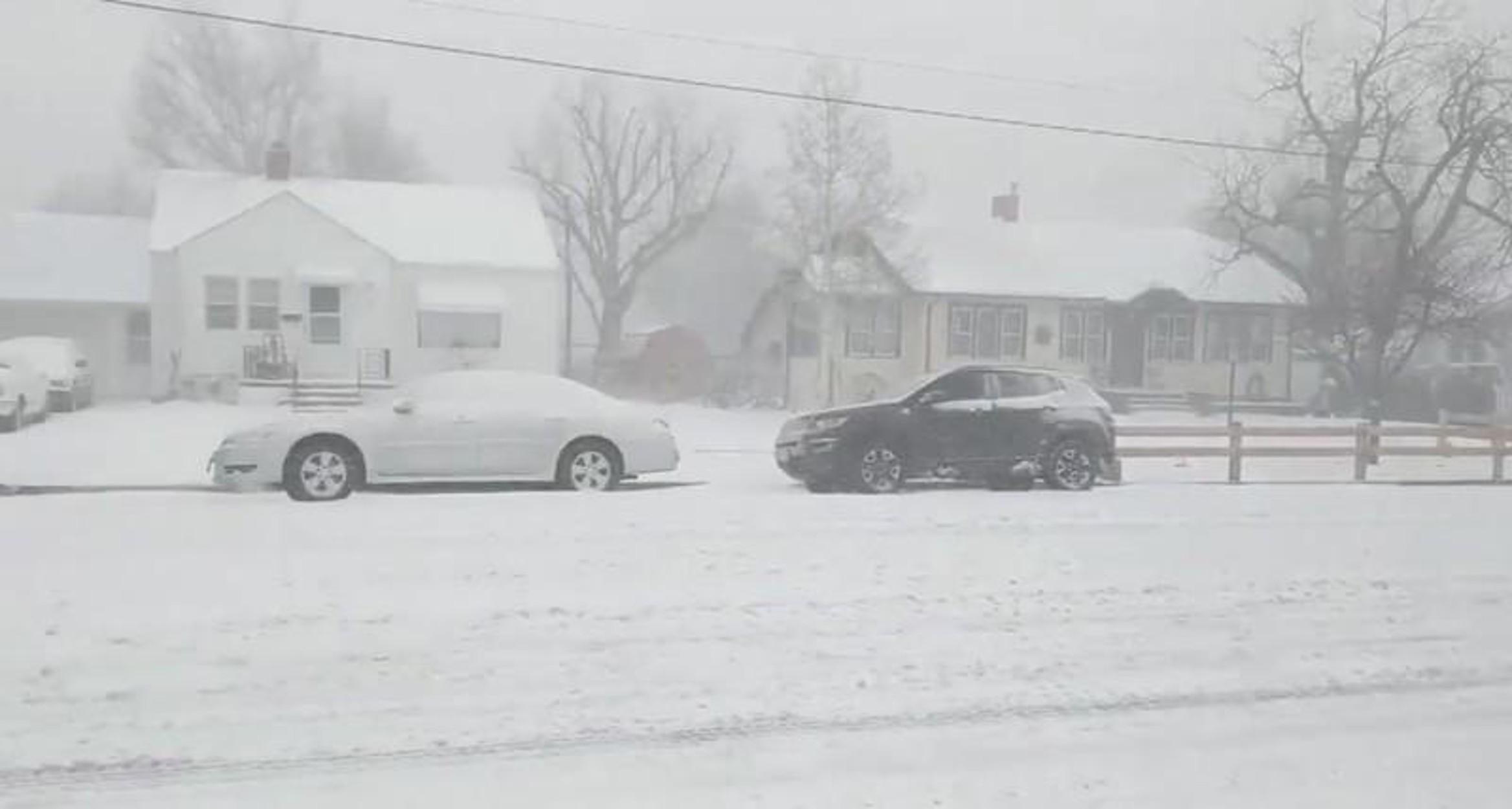 Παιδιά πέταξαν χιονόμπαλες στο αυτοκίνητό του και… τα πυροβόλησε!