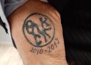 Ο Γιάννης Μπουτάρης έκανε τατουάζ την… δημαρχία της Θεσσαλονίκης!