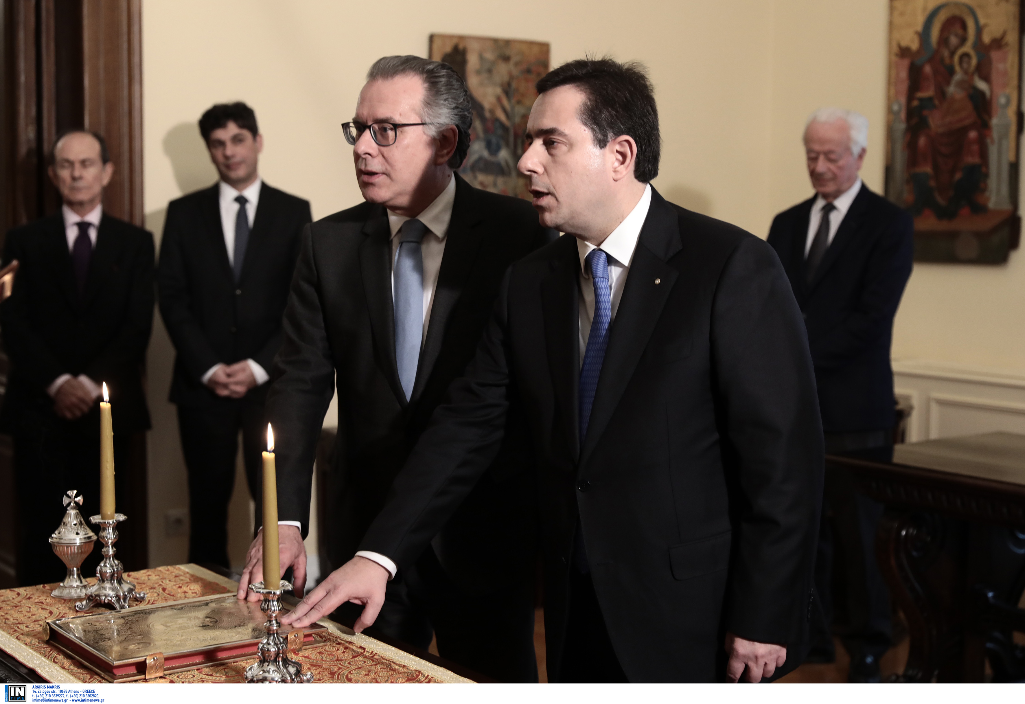 Ορκίστηκαν οι δυο νέοι υπουργοί Μετανάστευσης και Ασύλου Νότης Μηταράκης και Γιώργος Κουμουτσάκος