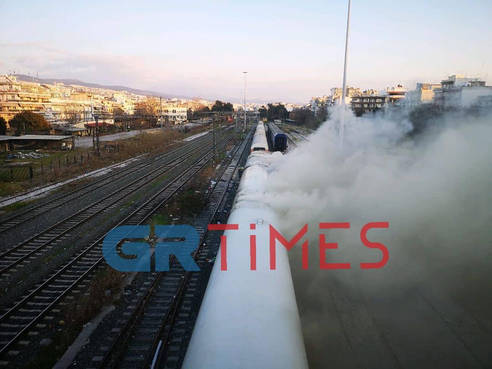 Φωτιά σε βαγόνια του ΟΣΕ! [pics, video]