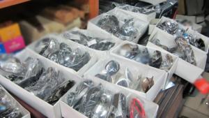 Δέκα συλλήψεις για παρεμπόριο στο κέντρο της Αθήνας