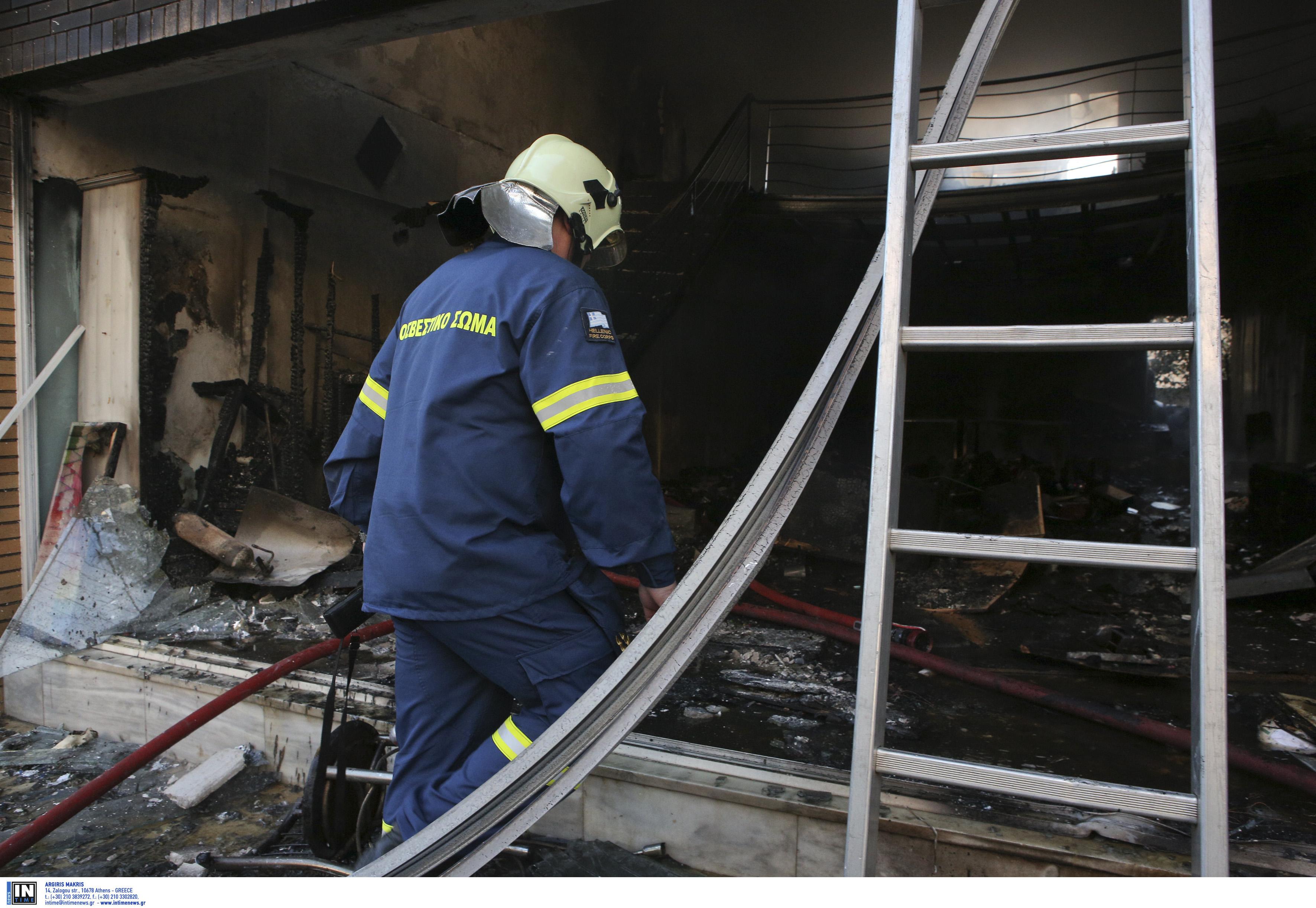 Νέα στοιχεία για τη φωτιά στον Πειραιά με νεκρό παιδί