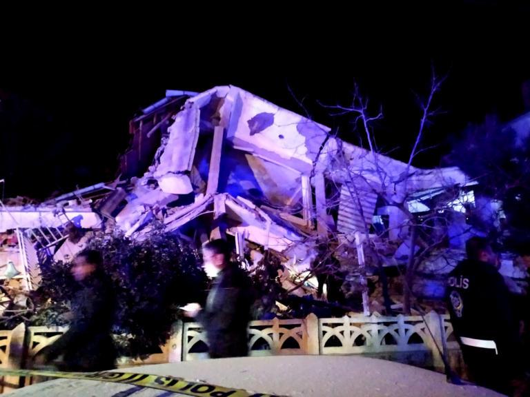 Σεισμός στην Τουρκία: Όλο και περισσότεροι νεκροί! Συγκλονιστικές μαρτυρίες