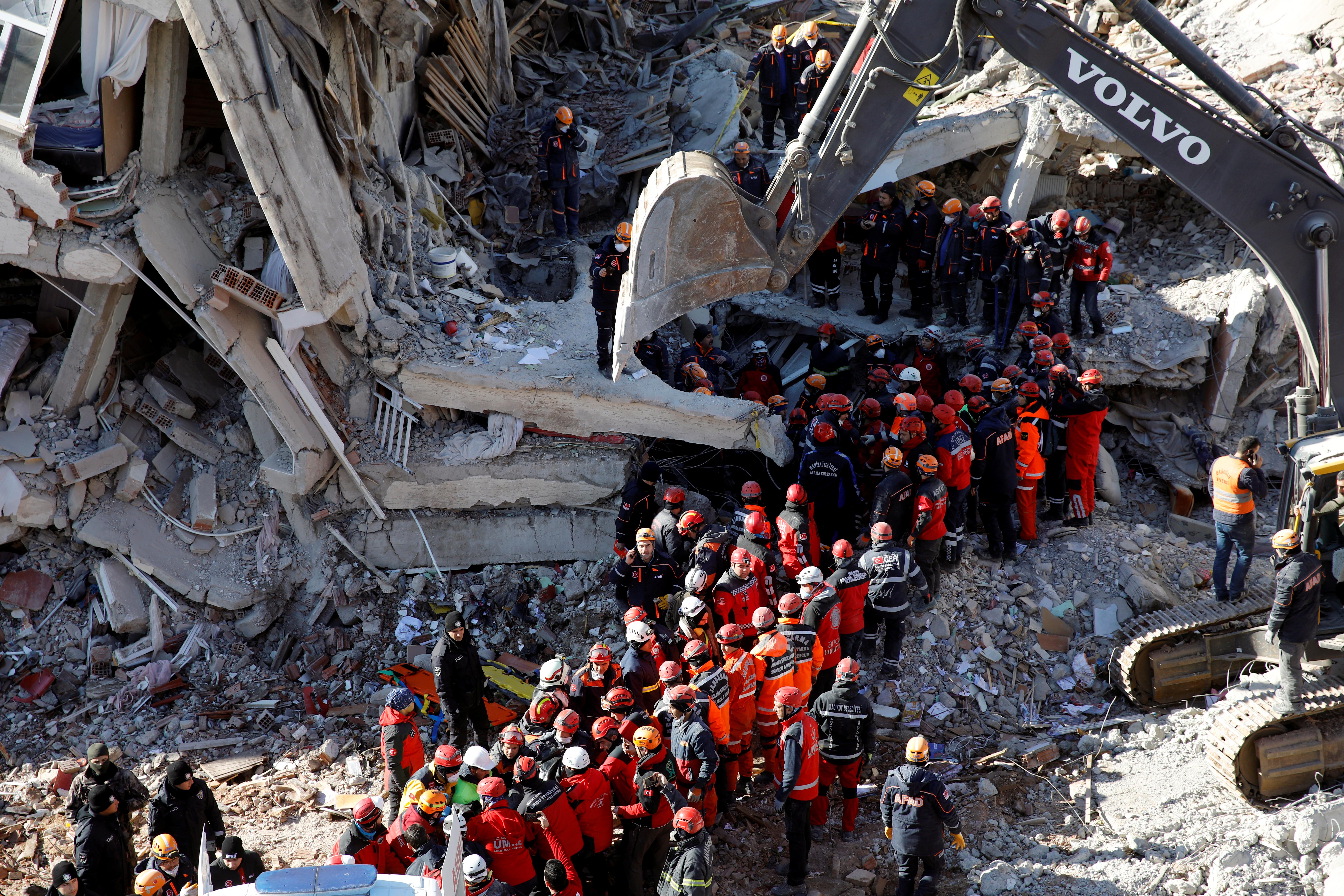 Σεισμός στην Τουρκία: Εξανεμίζονται οι ελπίδες για τον εντοπισμό επιζώντων [Pics]
