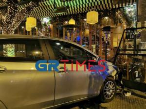 Θεσσαλονίκη: Πρώτα τράκαρε, μετά μπούκαρε με το αυτοκίνητο σε καφετέρια! [video]
